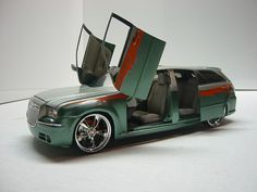 Dodge Magnum with Chrysler 300 nose