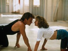 The iconic film Dirty Dancing is one of the most beloved movies in history, but behind-the-scenes turmoil almost stopped it from being made. 90s Movies, Iconic Movies, Classic Movies, Movie Tv, Movies 2019, 80s Movie Characters, Jennifer Grey, Beau Film, Katharine Hepburn