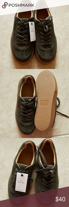💋HP💋Zara Suede leather Sneakers Zara sneakers made of Suede leather in khaki. With chunky soles. NWT. Zara Shoes Sneakers