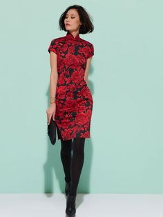 Traditional Qipao style, iconic from Shanghai Tang. Belongs to our Authentics line where we celebrate the classic Chinese silhouettes rejuvenated in Shanghai Tang vibrant colours and embellishments. Peony pattern  Material: 97% Cotton, 3% Spandex  Lining: 100% Mulberry Silk Colour(s): Available in Red Size: 02, 04, 06, 08, 10, 12 Ref: 1RD01A2