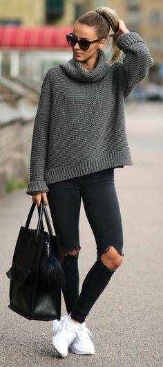 Pair simple knitwear with skinny jeans and shades this fall. Via Sklopljak.se Knitwear: Zara, Pants: Dr denim, Shoes: Nike Air Huarache.