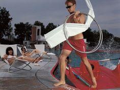 chaises longues blanches et compactes LOOP par Coro