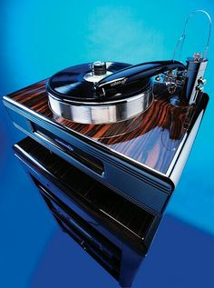 - Continuum Caliburn Turntable with Cobra tonearm - #recordplayer #turntable #music #audio #records #vinyl http://www.pinterest.com/TheHitman14/the-record-player-%2B/