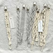 Macrame Knots Macrame Jewelry Diy Jewelry Macrame Projects Curtain Tie Backs Hacks Diy Crochet Pacifier Clip Armband Macrame Curtain Macrame Art, Macrame Projects, Macrame Knots, Macrame Jewelry, Macrame Bracelets, Diy Gifts, Handmade Gifts, Macrame Patterns, Gifts For Friends