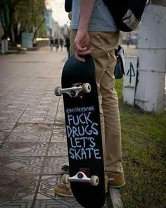 F drugs lets skate! F drugs lets skate! Skateboard Deck Art, Skateboard Design, Skateboard Clothing, Moda Skate, Skate Photos, Skate And Destroy, Skate Girl, Grunge Photography, Skater Boys