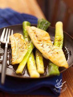 Il Pesce San Pietro marinato con porri è una ricetta molto saporita e raffinata. Per un secondo di pesce diverso dal solito e che piace a tutti.
