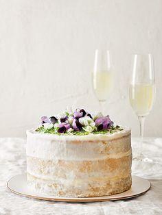 Coconut and Lime Curd Cake Recipe Cupcakes, Cupcake Cakes, Poke Cakes, Pavlova Meringue, Just Desserts, Delicious Desserts, Cupcake Recipes, Dessert Recipes, Edible Flowers Cake