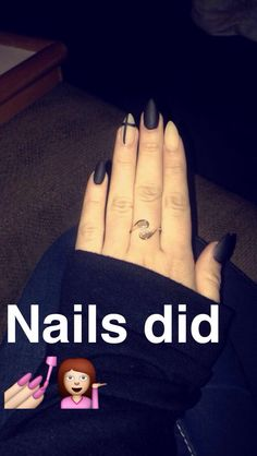 Love my new pointy nails matte black