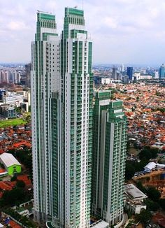 gedung peak tower 1 jakarta at DuckDuckGo Architecture Student, Futuristic Architecture, Amazing Architecture, Architecture Design, Building Architecture, Skyscraper New York, Building Concept, Famous Buildings, High Rise Building