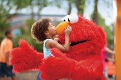 Kids (and kids-at-heart) will love giving hugs to their favorite furry Sesame Street friends at Sesame Place.