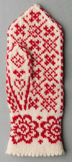 _DSC8243 Fingerless Mittens, Knit Mittens, Mittens Pattern, Crochet Pattern, Free Knitting, Knitting Patterns, Fair Isle Chart, Dragon Cross Stitch, Mercerized Cotton Yarn