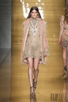 Reem Acra Fall-winter 2015-2016 - Ready-to-Wear - http://www.flip-zone.com/fashion/ready-to-wear/fashion-houses-42/reem-acra-5456