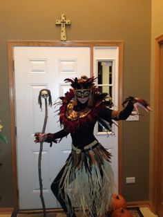 halloween costume -Voodoo Princess - I like the skirt Witch Doctor Costume, Voodoo Costume, Voodoo Halloween, Halloween 2015, Cool Halloween Costumes, Halloween Cosplay, Holidays Halloween, Halloween Themes, Halloween Makeup