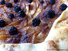 Rustic Pear and Blackberry Tart #tart #rustictart #pearandblackberry #dessert #sweet #food #easy #easyrecipe #autumn