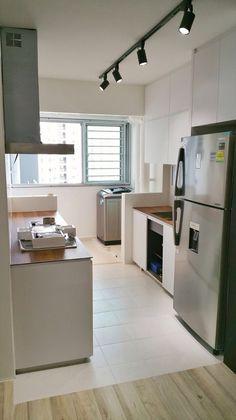 Monochrome kitchen  White silver n black with kompacplus top hdb