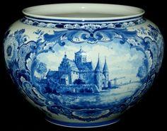 Delft flowerpot