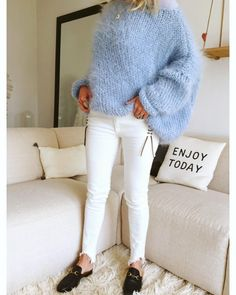 182 Likes, 16 Comments – 🌸Mes Petites Curiosités🌸 ( on Instag… Knit Fashion, Sweater Fashion, Fashion Outfits, Big Sweater Outfit, Sweaters Outfits, Cozy Sweaters, Pull Angora, Pullover Mode, Mohair Sweater