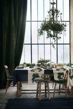 Five Christmas interiors trends from H&M's latest home collection: Which Christmas style are you?