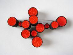 Satoshi Nakamura, red brooch by bonita Jewelry Crafts, Jewelry Art, Jewelry Design, Contemporary Jewellery, Modern Jewelry, Handmade Silver, Handmade Jewelry, Fabric Flower Brooch, Unusual Jewelry