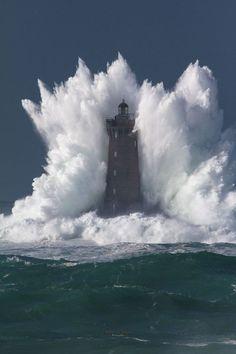 Leuchturm, Naturgewalt, Meer, Wellen