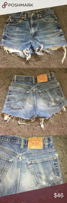 REAL vintage Levi's shorts Wallet mark ! Natural wear and frayed ends. Fits like a 27 w women's I'm a 24/25 they fit but gap a lot. Levi's Shorts Jean Shorts