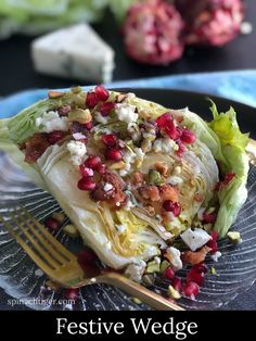 Make classic wedge salad with homemade blue cheese Dressing. Make classic wedge salad with homemade blue cheese Dressing. New Year's Desserts, Christmas Desserts Easy, Cute Desserts, Christmas Foods, Simple Christmas, Blue Cheese Vinaigrette, Wedge Salad Recipes, Vegan Candies, Cheese Party