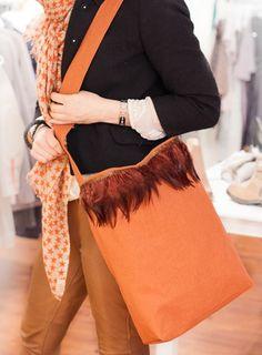 Orange linnett m/fjær Bell Sleeves, Bell Sleeve Top, Orange, Bags, Women, Fashion, Handbags, Moda, Women's