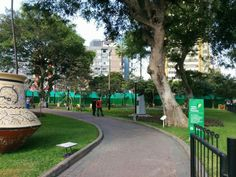 LIMA, PERU. Parque John F. Kennedy, em bairro Miraflores. Por Cássio S.