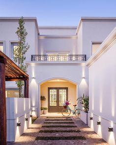 Modern home design Villa Design, Modern House Design, Plans Architecture, Architecture Design, Home Interior Design, Exterior Design, Casas Containers, Mediterranean Homes, House Entrance