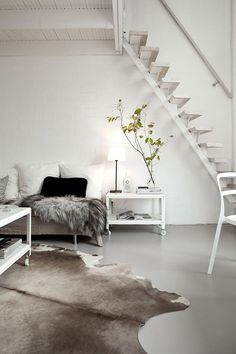 Scandinavian design is one of the most beautiful and elegant ways to decorate your home, and we absolutely love it. This is domino's ultimate guide to decorating your home with a Scandinavian design inspired interior. Swedish Farmhouse, Farmhouse Style, Modern Farmhouse, Farmhouse Decor, Design Scandinavian, Scandinavian Living, Swedish Design, Piece A Vivre, Home And Deco
