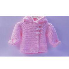Réchauffez vos petites poupées avec ce joli petit manteau tout douillet  Et n'oubliez pas, vous pouvez me contacter via ma page Facebook  #DesFilsetdeFées #IledelaRéunion #letricotcestlavie
