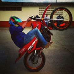 #stunt #Dt #motor #YAMAHA #acro Acro, Stunts, Yamaha, Followers, Parks, Motorbikes, Waterfalls, Fans, Fandom