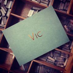Kaartje voor Vic #letterpress #hotfoil #koperfoil #foliedruk #geboortekaartje
