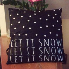 Poduszka Let It Snow   http://www.vinnst.pl/pr6370-poduszka-let-it-snow-645.html