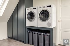 Modern interieur Druten Van der Cruijsen Interieurbouw Anke H Mod… 2020 Small Laundry Rooms, Laundry Closet, Laundry Room Inspiration, Home Decor Inspiration, Interior Design Living Room, Living Room Designs, Laundry Room Design, Laundry Room Organization, Paint Colors For Living Room