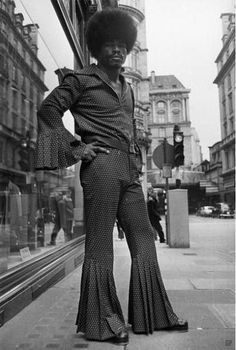 USA 1973 - Afro style Yes, Dude. The afro was badass . 60s And 70s Fashion, Moda Fashion, Retro Fashion, Vintage Fashion, 70s Black Fashion, Seventies Fashion, Black Power, Costume Année 70, Mode Disco