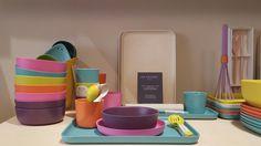 Vaisselle colorée et decoration estivale à la boutique Les Heures Maison à Saint-Mandé bio bu d'Ekobo Bio, Saint, Boutique, Decoration, Tableware, Home, The Hours, Decor, Dinnerware