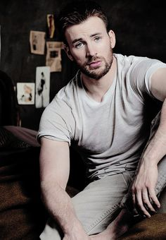 What a fucking shit-show...Chris Evans. <3