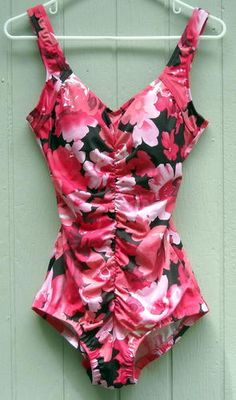 Le Cove Lovely Pink Floral Scrunch Front Swimsuit Size 14 Ships Free in the USA Price:US $17.99