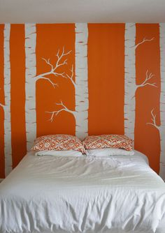 I love how striking this mural is. As a red head I don't think orange is exactly a good color for my room. However no matter the color this would still pop. Orange Rooms, Orange Walls, Extra Bedroom, Interior Design Inspiration, A Boutique, Wall Murals, Wall Art, My Room, Decoration