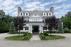 Tour a Grand Manor Located in Greenwich, Connecticut | HGTV.com's Ultimate House Hunt | HGTV