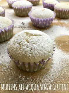 I muffins all'acqua senza glutine sono dei dolcetti leggerissimi, perfetti per gli intolleranti perchè non contengono latte, uova o altri grassi, grazie alla presenza di farina di riso sono ancora più leggeri e digeribili