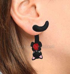 Cat :} https://www.etsy.com/fr/listing/219175610/chat-noir-avec-boucles-doreilles-fil