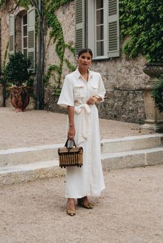 Street Style Looks to Copy Now Street Style Fashion / Fashion Week Week Big Fashion, Fashion Week, Look Fashion, Fashion Tips, Fashion Trends, Womens Fashion, Feminine Fashion, Bridal Fashion, White Fashion