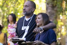 Kenya Barris comedy '#blackAF' gets renewed for 2nd season at NetflixJune 24, 2020 Comedy Series, Comedy Tv, Series Movies, Tv Series, Netflix Tv Shows, Anthony Anderson, Rashida Jones, Today Show, Entertainment