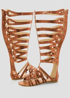 15 Wide Width Sandals To Keep Your Glorious Feet Equal Parts Comfy & Chic — PHOTOS
