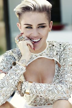 Miley in the FASHION Magazine 2013 21/28