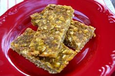 Do you have a pumpkin obession? Feed it with these Energy Punching Pumpkin Bars. A perfect fall treat!