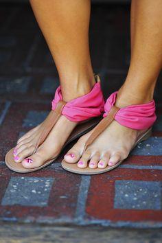 Start Of Summer Sandals: Coral | Hope's
