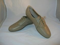 Easy Spirit Anti Gravity tan Leather Shoes Size 10 AA pattern name Emotion